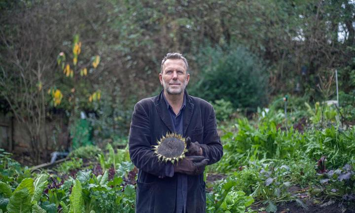 Allan Jenkins: before dawn & the solace of gardening | RNZ