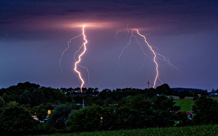 Severe thunderstorm watched issued as lightning strikes upper North Island
