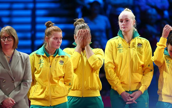Australian Diamonds preparing to receive silver medal after 2019 NWC final loss to Silver Ferns