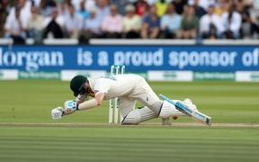 Steve Smith is struck on the neck and felled by a Jofra Archer bouncer during the 2nd Ashes Test Match between England and Australia at Lord's 2019.