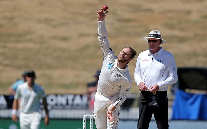 Kane Williamson, Akila Dananjaya reported for suspect bowling action