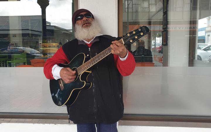 Busker Joe in Hawera, South Taranaki