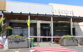Republic Bar in Mānukau