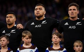 Atu Moli, centre, sings the national anthem  prior to the 2019 Bledisloe Cup opener in Perth.