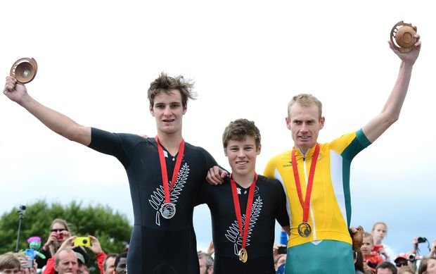 Anton Cooper takes gold and Sam Gaze silver in the 2014 Commonwealth Games mountain biking.