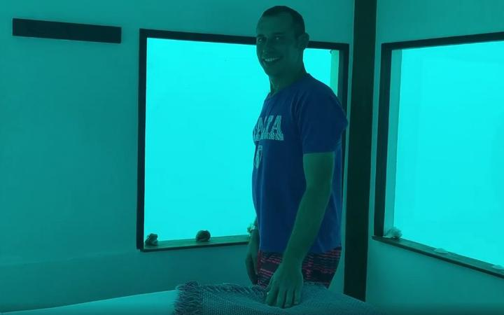 Man Proposes Underwater, Never Comes Back Up
