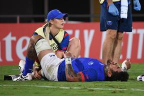 Samoa number eight Afasetiti Amosa was forced off with a serious knee injury.
