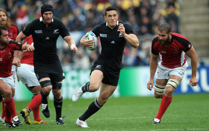 Sonny Bill Williams playing against  Canada at the 2011 Rugby World Cup.