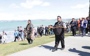 Nick Tupara of Ngāti Oneone pictured on the left. (Tuia 250 commemorations  in Gisborne)