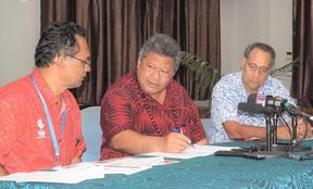 Director General of Health Leausa Dr Take Naseri (middle) with two senior doctors involved in the preparations and awareness of measles in Samoa.