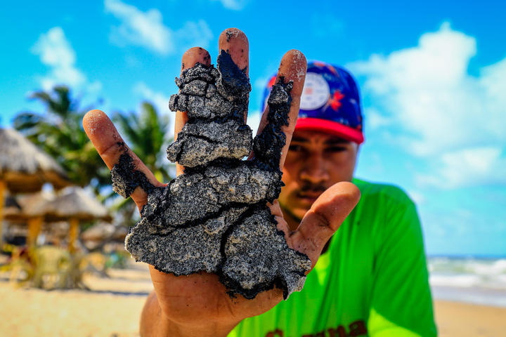 Oil deposits on Lagoa do Pau beach, in the northeast of Brazil.