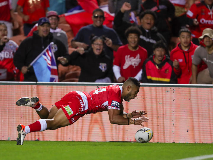 Sione Katoa scored a stunning try in the final play of the first half.