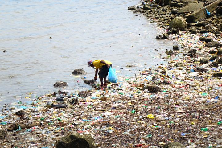 Plastic litter is a pervasive problem in Papua New Guinea's capital Port Moresby.