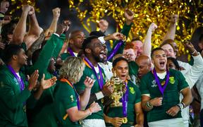 2019 Rugby World Cup Final, South Africa's Siya Kolisi lifts The Webb Ellis Trophy
