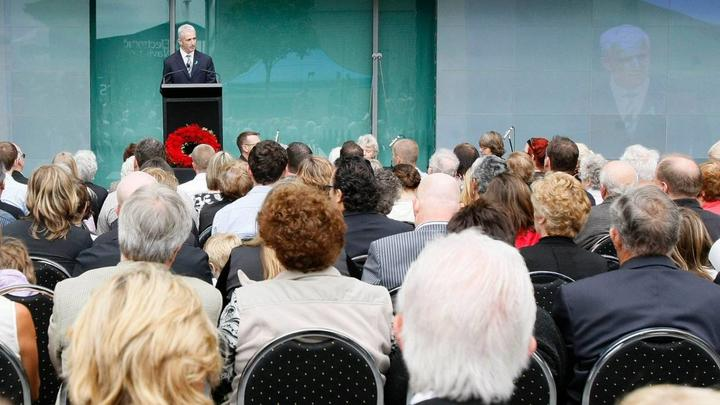 Rob Fyfe, then Air New Zealand Chief Executive, speaks in 2009 at a memorial service held to remember those who lost their lives in the Erebus crash.