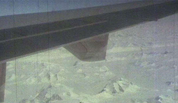 The footage was filmed by a passenger aboard aboard Air New Zealand flight TE901. Photo: 60 Minutes / Nine