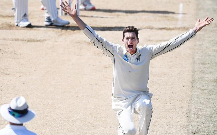 Mitchell Santner appeals on Day 5. 1st Test match. New Zealand Black Caps v England. International Cricket at Bay Oval, Mt Maunganui, New Zealand. Monday 25 November 2019 © Copyright Photo: Andrew Cornaga / www.photosport.nz