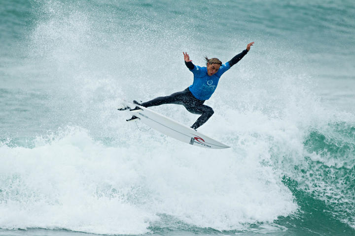 Elliot Paerata-Reid is New Zealand's new Men's Surfing Champion.