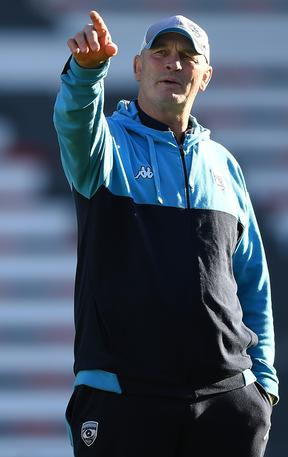New Fiji head coach Vern Cotter issues instructions at Montpellier.