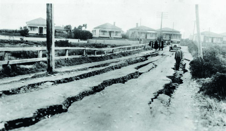 Damage to roads in Greymouth after the 1929 Murchison quake