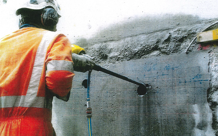 Core drilling  on D-wall in 2018.
