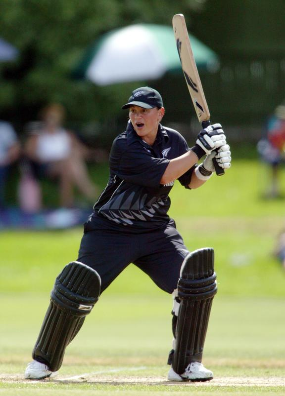 11 February, 2004. Eden Park Outer Oval, Auckland, New Zealand. Rosebowl Series. New Zealand White Ferns v Australia. Maia Lewis plays a shot during her innings of 33 runs.