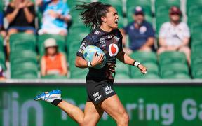 PERTH, AUSTRALIA - FEBRUARY 14: Shontelle Stowers of the Warriors breaks down the wing to score a late try during the 2020 NRL9s match between the Warriors and the Roosters at HBF Park, February 14, 2020 in Perth, Australia.