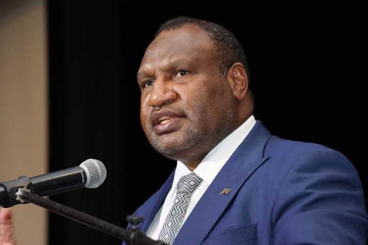 PNG Prime Minister James Marape addresses a business discussion in Port Moresby, January 2020.