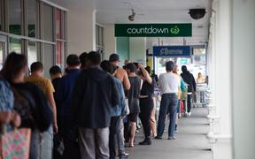 Queues at Mt Wellington supermarkets after it was announced the country is moving into alert level 3 and then 4 in the next few days.