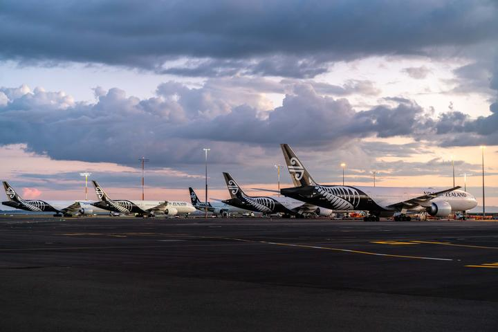 Auckland Airport shelves most of $1.2 billion of works