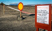 A sign blocking furthur access to the area around the Bardarbunga volcano.