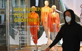 A shop window in Munich, 29 April 2020.