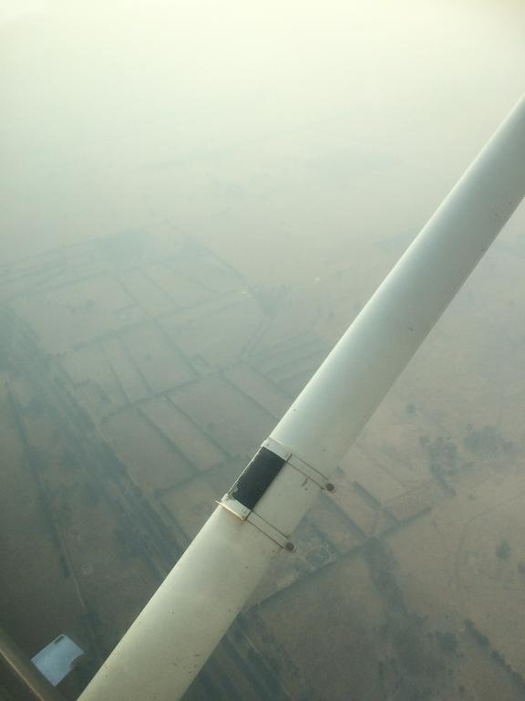 Low visibility through the bush fire smoke on approach to Essendon.