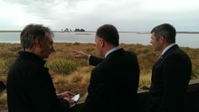 Environment Southland's Warren Tuckey (L), Prime Minister John Key and Primary Industries Minister Nathan Guy.