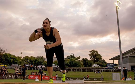 Lisa Adams la Sir Graeme Douglas International Track Challenge.  2019.