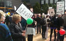 About 1000 marched in Auckland against child poverty.