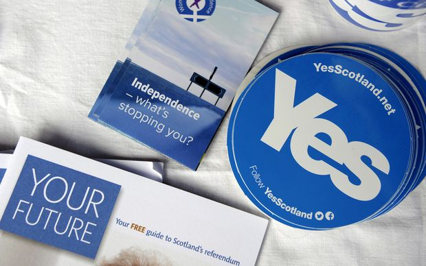 Scottish independence stickers and badges