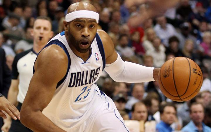 Vince Carter playing for the Dallas Mavericks in 2013.