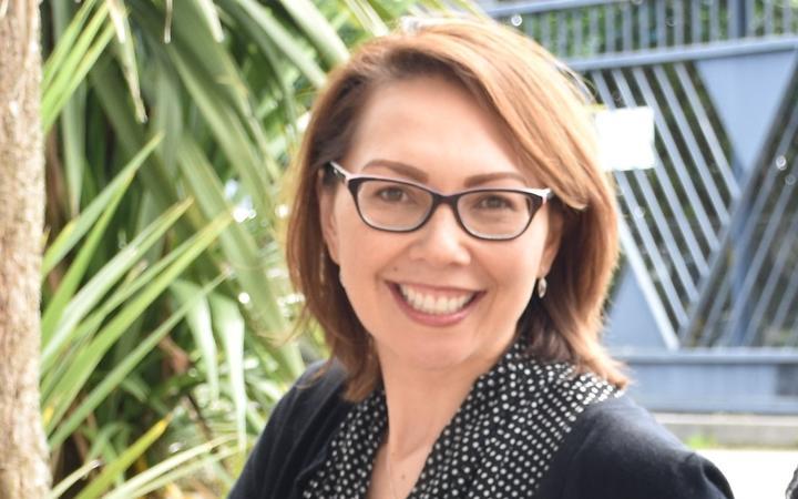 Dr Corina Grey