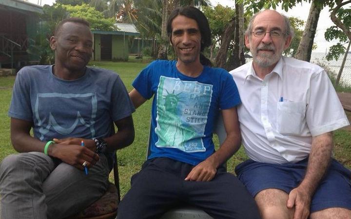 Ian Rintoul (right) on Manus Island with Abdul Aziz Muhamat and Behrouz Boochani.