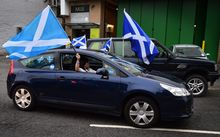 Pro-independence 'Yes' supporters gather ahead of the referendum.