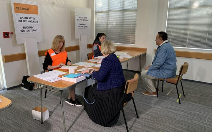 National leader Judith Collins and her husband David Wong Tung cast their advance votes in Auckland. 4/10/2020