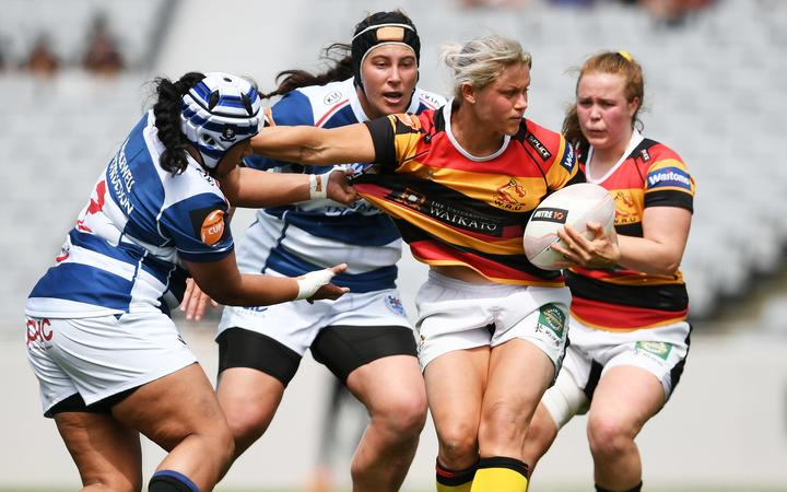 Chelsea Alley playing for Waikato.