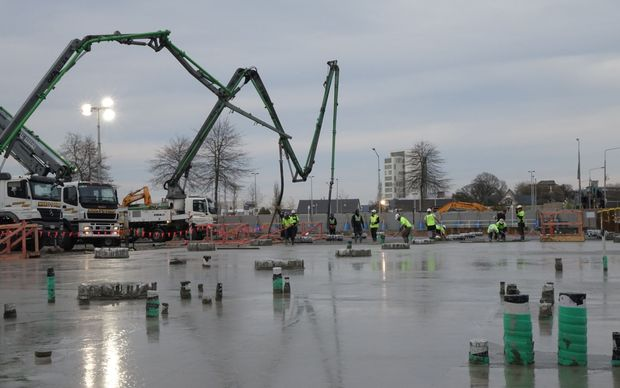 25 workers are working on the Christchurch concrete pour.