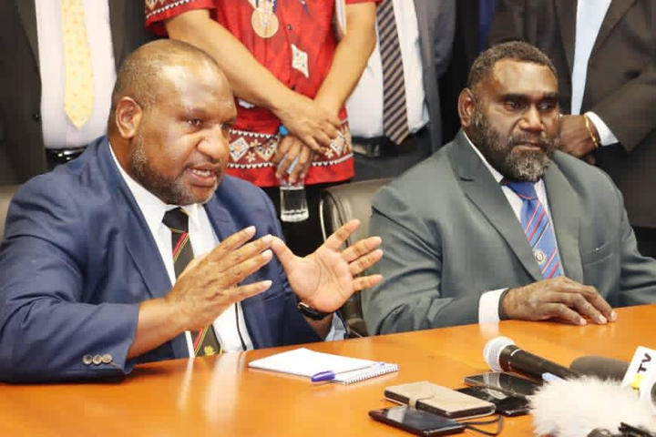 PNG Prime Minister James Marape and Bougainville's President Ishmael Toroama meet for talks in Port Moresby, 9 November 2020.