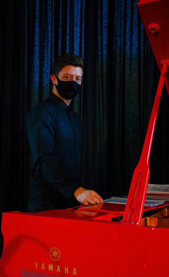 Pianist Bradley Wood