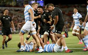 The All Blacks celebrate the Ardie Savea try. New Zealand All Blacks v Argentina. 2020 Rugby Championship Test Match played at McDonald Jones Stadium, Newcastle Australia on Saturday 28th November 2020. Photo Clay Cross / photosport.nz