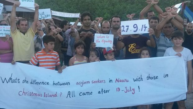 Protest at Nauru family residential compound - 27 September, 2014.