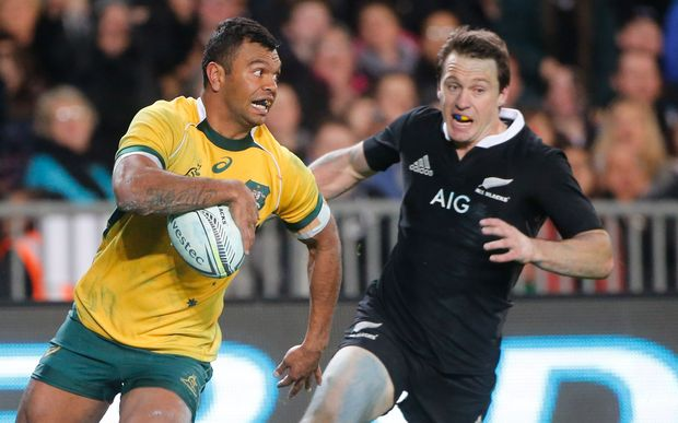 New Zealand's Ben Smith chases Australia's Kurtley Beale. Eden Park. 2014.