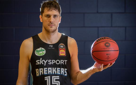 Rob Loe with basketball in hand after a New Zealand Breakers training session held on Auckland's North Shore on the 17th October 2019.  Credit; Peter Meecham/ www.photosport.nz
